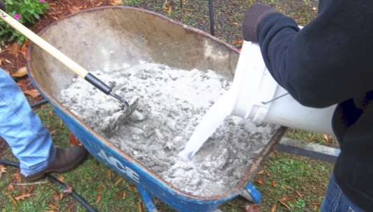 add bonding agent while mixing mortar