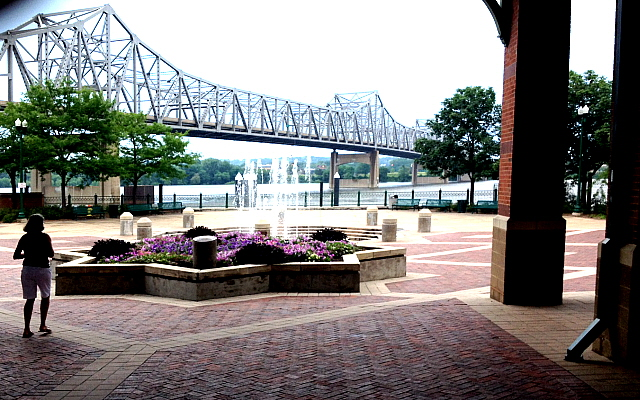 River front park and gardens, Peoria, Illinois