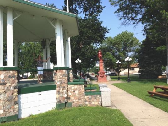 Town green, Le Roy, Illinois.