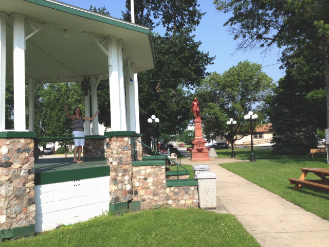 Town green, Le Roy, Illinois.